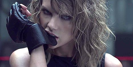 Download Taylor Swift Bondage  Pics