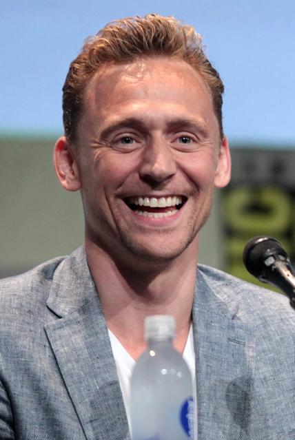 Tom Hiddleston May Replace Daniel Craig As James Bond