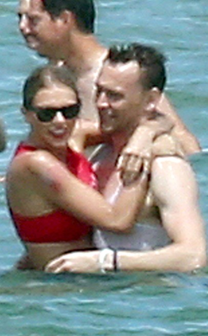 Taylor Swift Celebrates Fourth Of July With Friends
